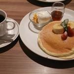 高倉町珈琲 - 高倉町パンケーキセット。