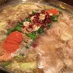 地鶏本格炭火焼 焼き鳥 南 - 博多明太もつ鍋