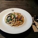 トリッパイオ - 牡蠣とほうれん草のクリームパスタ