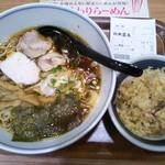 74550238 - 純鶏ラーメン(醤油味)+ミニチャーハン 810円(税込)(2017年10月10日撮影)