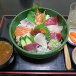 74550302 - 海鮮丼1,360円(税込)