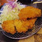 74550792 - 【ランチ】 食べ放題のカレーがついたチキンカツ \880(外税)