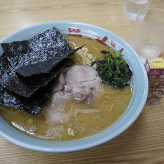 近藤家 - 料理写真:ラーメン中(800円)