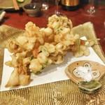 手打蕎麦 とし庵 - 海鮮と野菜のかきあげ