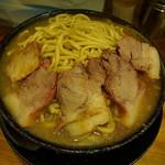 ラーメン 盛太郎 - 汁麺から遥かに盛り上がる麺の異景