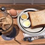 COFFEE VALLEY - トースト、カフェラテ