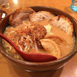 田所商店 - 味噌漬け炙りチャーシュー麺 1100円(税抜)