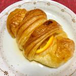 ボン・ボランテ - オレンジのクロワッサン 206円