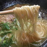 長浜ラーメン呑龍 - 自家製麺