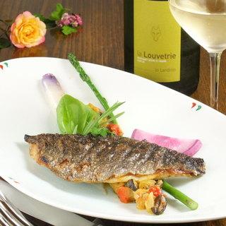 自信をもって提供する魚料理はすべて天然物☆