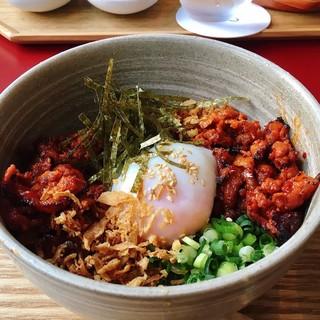 SMT Tokyo - ピリ辛サムギョプサル丼 @1,000円 おいしい組み合わせ!今度家でもマネしてみよう。
