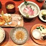 銀平 - お好み定食   刺身、天ぷら、手作り豆腐、お漬物、豚汁、ご飯、味噌汁おかわり自由    これで1500円❗️