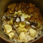 74575179 - ムカゴ、銀杏、栗の炊き込み飯