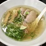 自家製麺 5102 - 鴨塩中華そば 820円