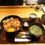 74578064 - 上焼鳥丼850円