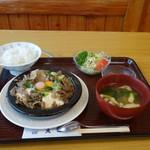 相撲茶屋 大旺 - 「牛ちゃんこ」定食