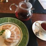 カフェ&バル 庄九郎 - 桃のコンポート+庄九郎オリジナルティーセット