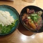 のぶちゃん - ポテトサラダと牛すじ煮込み