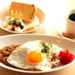 リスタイル プラスカフェ - キーマカレーランチ(ケーキとドリンクセット)