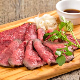 こだわりの国産黒毛和牛&話題の熟成肉を味わう肉バル