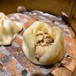 家宴 - 太子包の中身 (味は肉まん)