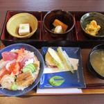 74590035 - 新鮮魚のちらし寿司 1700円