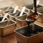 テッパンキッチン ヒロオ - 広尾の老舗、鉄板焼き高見の特製高見ソースを使用。16種類のスパイスや調味料、その絶妙なバランスは間違いなく他で味わえないオンリーワンの焼きそばソースです。