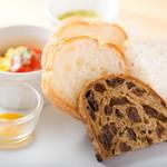 コモ ダイニング - 料理写真:三種のパン