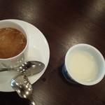 日本料理 雲海 - コーヒーとチチヤスヨーグルト