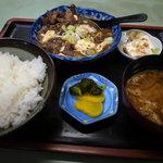 一福 - 牛スジ定食