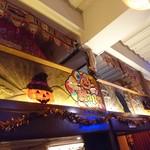 トムボーイ - 店内はハロウィンの装飾が