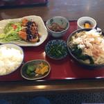 鈴八庵 - 料理写真:日替り定食720円です。CPは良好ですね。