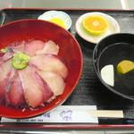 道の駅 松浦海のふるさと館 - ぶり丼大盛り¥600。