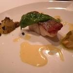 レストラン マノワ - 5品目:本日のお魚料理 スズキでした♪ポワレな皮ぎしがめっちゃうまい!