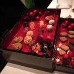 レストラン マノワ - 好きなものをチョイス☆最後のアニバーサリー・プレートに盛り付けてくれました♪