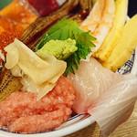 磯丸水産 - 海鮮こぼれ丼