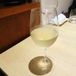 レストラン リッシュ - グラスワイン白