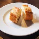 Cafe Rouge - パン 100円