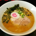 自家製麺 KANARI - 料理写真:豚骨うおだしそば(醤油) 700円