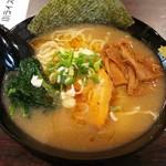 麺屋 三男坊 - 料理写真:オマール海老だしらーめん 800円