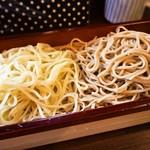 蕎麦見世のあみ - 料理写真:二色蕎麦と桜海老かき揚げ御膳(二色蕎麦)
