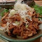 74627185 - 牛肉とキノコの生姜焼き