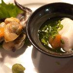 言い成り - アオヤギ、トリ貝の刺身、鯛の白子ポン酢のミックス