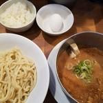 五十五番 - 濃厚つけ麺(無料ご飯&生卵)