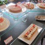 ホテルニューオータニ幕張 ザ・ラウンジ - 色々ないちごケーキ