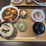 本濱 - 鯛めし定食1200円