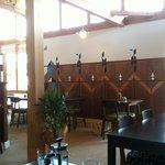 ロブソン コーヒー - 綺麗で爽やかなお店の中