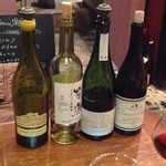 キナッセ - グラスワインでも大振りのグラスを使う良いお店だったな