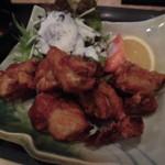 炭焼 縁石 - 若鶏の唐揚定食 680円