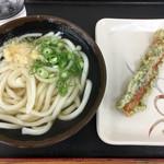 さぬき麺輝屋 - 料理写真:温かけうどん200円 ちくわ天90円